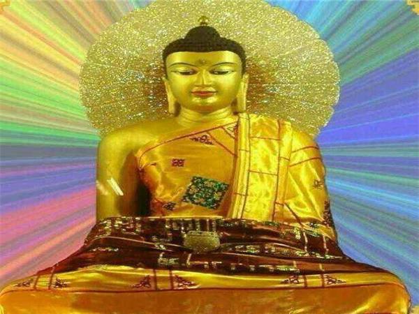 印度菩提伽耶-正觉塔内-佛陀成道时的等身佛